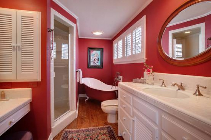 thumbs_red-bathroom-design-ideas-3